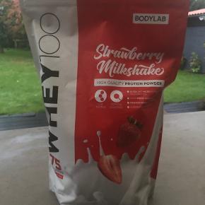 Uåbnet ny whey 100 fra Bodylab 1 kg Jordbær