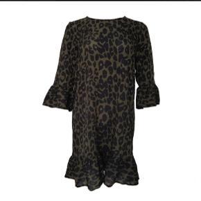 Neo noir kjole  Som ny, ingen fejl Nypris 599