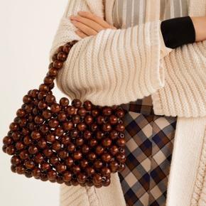 ‼️Sender pakker igen i dag‼️  Vildt fin taske fra Mango. Aldrig brugt, mærket er kun taget af da jeg engang troede jeg skulle bruge den. Nypris: 400 kr