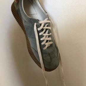 I rigtig fin stand. Lidt beskidte, men bliver vasket inden salg. (Hvis der er noget der ikke kan gå af, oplyses det selvfølgelig!) 😊 BYD 🌸🌼🌻