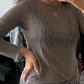 Sælger disse bluser fra Zara, da jeg ikke bruger dem længere.  75 kroner for en, 100 kroner for dem begge.