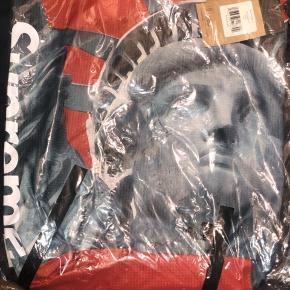 Supreme The North Face liberty waterproff Backpack   Cond: DSWT Price: 1700 DKK   kvittering medfølger