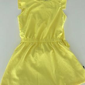 Molo's Chrisette kjole i gul str 98/104  Kun brugt 2 gange Np 400kr