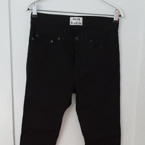 Str 30/32Acne Studios thin stay cash jeans. I rigtig god stand.  Nypris 1300kr  Min pris 300!!
