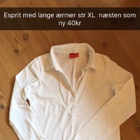 Esprit T-shirt/bluse med krave og lange ærmer str XL, brugt 2 gange, rigtig fin, sælges for 40kr Se også mine mange andre annoncer