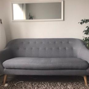 En meget fin sofa fra Ilva. 1,5 år gammel. Ingen pletter eller fejl. Prisen er fast. Kan hentes i Charlottenlund.