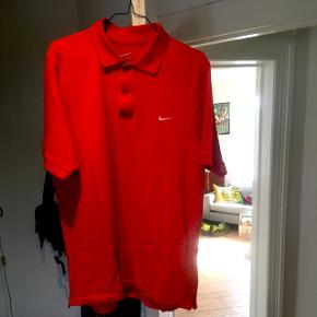 Rød Nike polo, str Medium