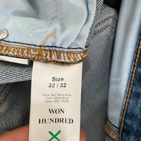 Won Hundred Ben jeans, som stumper fedt. Størrelse 32/32. De er næsten ikke brugt, da jeg fik fat i nogle andre bukser. Kombiner evt med mine andre annoncer for mere rabat.