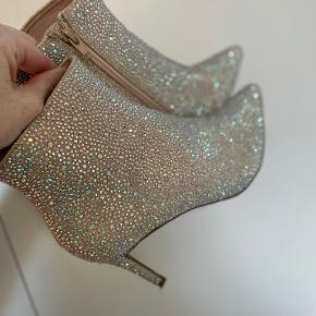 Menbur heels