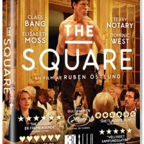 """0331 👻  Square, The (DVD)  Dansk Tekst - I FOLIE  The Square Christian (Claes Bang) er succesfuld kunstnerisk chef på et moderne kunstmuseum. Han er i centrum af den kreative elite og tager sit job meget alvorligt. I dagene før åbningen af den prestigefyldte udstilling """"The Square"""" bliver Christian udsat for et tricktyveri på åben gade. En oplevelse, han ikke kan slippe, og sammen med sin assistent, Michael (Christopher Læssø), indleder han en jagt på tyven. Samtidig kræver journalisten, Anne (Elisabeth Moss), svar på kunstens store spørgsmål, og oveni skal Christian stå på mål for den virale kampagne, som museets PR-bureau har skabt, og som bringer museet og dets kunstneriske leder i dyb krise. Tekst fra pressemateriale"""