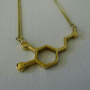 ⏪ 🌑 DOPAMINE NECKLACE 🌑 ⏩  🌙 INFO ABOUT THE PRODUCT🌙 Material - Brass Weight - 10g  💮 CARE 💮  Brass and silver jewelry can be cleansed with vinegar or lemon juice mixet with salt, using a soft cloth to make them look new and shiny again.  I only do shippings :)
