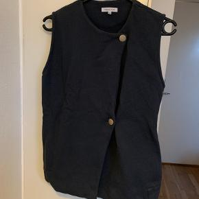 Surface To Air vest