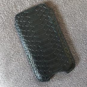 Decadent læderetui til iPhone. Passer fra alm. iPhone 6 til og med iPhone 8. BYD  Sendes på købers regning eller afhentes i Ringsted