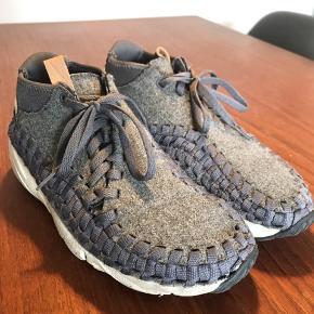 Nike Air Footscape Woven Chukka. Grå.   Sælges da de desværre er købt en størrelse for små.   Str. 39 men en smule små i størrelsen.   Np. 1400 kr.