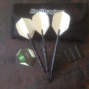 Red dragon dart arrows Black edition 24 gram *new* complete set make a bid