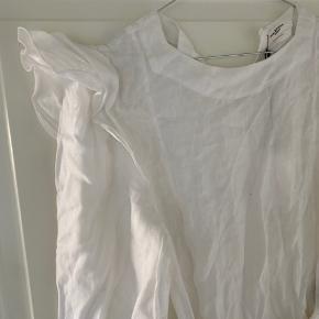 Ganske almindelig slå-om kjole, med fine detaljer