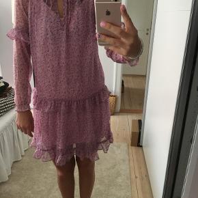 Dahrling kjole