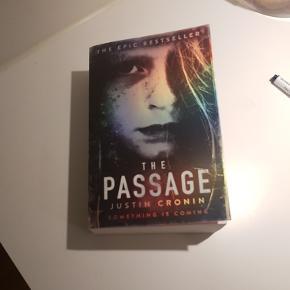 """Justin Cronins """"The Passage"""". Første bind i The Passage-trilogien. Aldrig været brugt/læst"""
