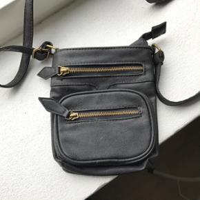 Sød lille taske fra Pieces
