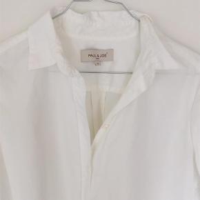 Varetype: skjorte Størrelse: 3 Farve: Hvid  Sender med DAO.