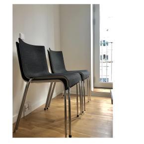 4 original design chairs from GUBI  • Model: Gubi chair 2 (no longer in production)  • Material: Felt (Dark grey / off white)  • Bid for 2 or 4. Bids for all 4 preferred.