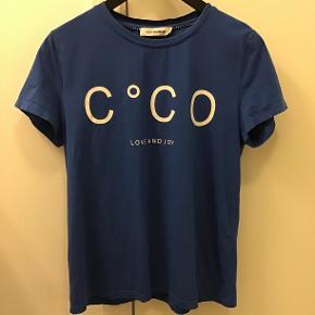 Super fin T-shirt i 95% bomuld/5% elastan Kun brugt ganske kort