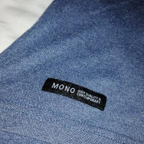 Mega fed t-shirt med lomme  Ikke min stil :)