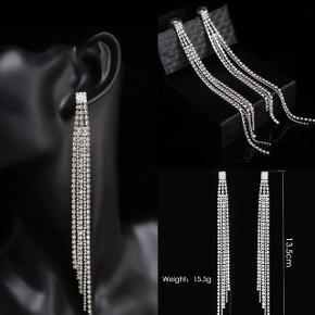 Flotte lange crystal tassel øreringe✨  1 stk 90kr
