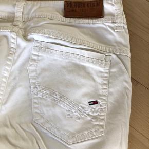 Fede Tommy Hilfiger denim bløde hvide jeans i str w 27 L 32.