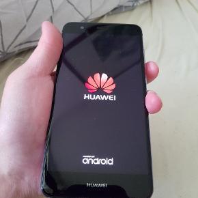 Huawei 32 GB. Lite p 10  . Ingen revner meget lidt brugs riser hvis der er . Næsten som ny. Sælges pga jeg er til Samsung nu. Bon kan fremskaffes. Uden oplader med cover