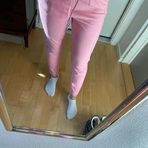 Helt nye lyserøde bukser