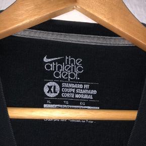 Gammel vintage Nike tee Passer M-XL / 175-190