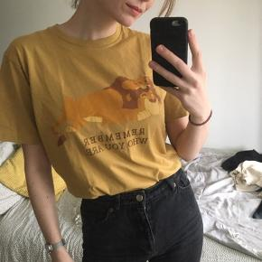 Yellow oversized graphic tee with cute lion king print :)