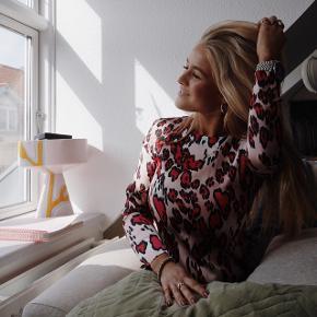 Smukkeste korte satin kjole fra H&M Trend