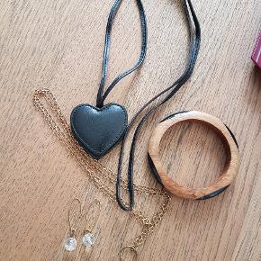 Læder halskæde m. Hjerter. Armbånd. Halskæde og øreringe. Samlet pris 50 kr.
