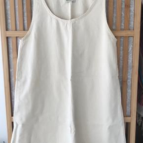 Baserange øvrigt tøj til kvinder