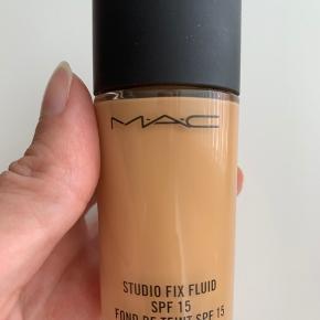 MAC foundation, prøvet på en enkelt gang.