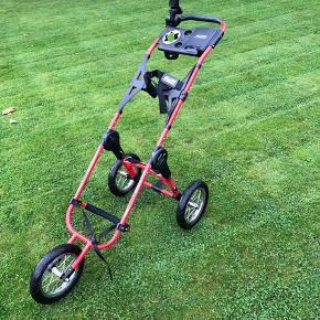 Bagboy golfvogn, fasfold. Rød Med flaske og paraplyholder.  Let at folde ud.