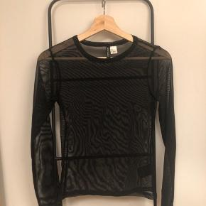 Mesh bluse fra Gina tricot