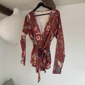 Muse kimono