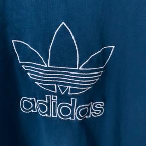 Aldrig brugt  Super fed tshirt fra adidas