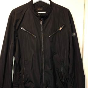 Helt ny diesel jakke, fået i gave, aldrig brugt kun prøvet på, helt ny Flere billeder i kommentaren  Kan hentes i Kolding eller Odense