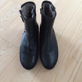 Nude støvler