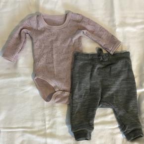 Body i uld - bukser i bomuld