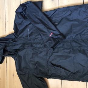 88450c60 Regntøj fra Didrikson str 160. Brugt få gange. Hætten kan knappes af jakken.