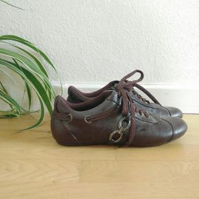Brugt en gang. Super flotte sko, købt i Frankrig i sin tid.