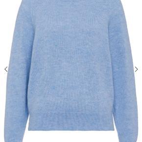 Ivy & Oak sweater
