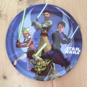 Star Wars tallerken i melamin / melanin fra Trudeau Ø 20 cm Højde 0,9 cm  Tåler opvaskemaskine, men ikke microovn
