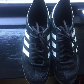 Adidas Specials, pæne og velholdte. Mørkeblå. Ikke falmet i farven