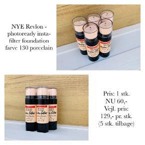 NYE Revlon - photoready insta-filter foundation farve 130 porcelain  Pris: 1 stk. NU 60,-  Vejl. pris: 129,- pr. stk. (5 stk. tilbage)   Se også over 200 andre nye produkter, som jeg har til salg herinde :-)